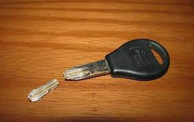 Broken car key Extraction - Pros On Call Locksmiths