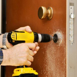 24-hour locksmiths in Universal City Texas - Pros On Call Lock Installation