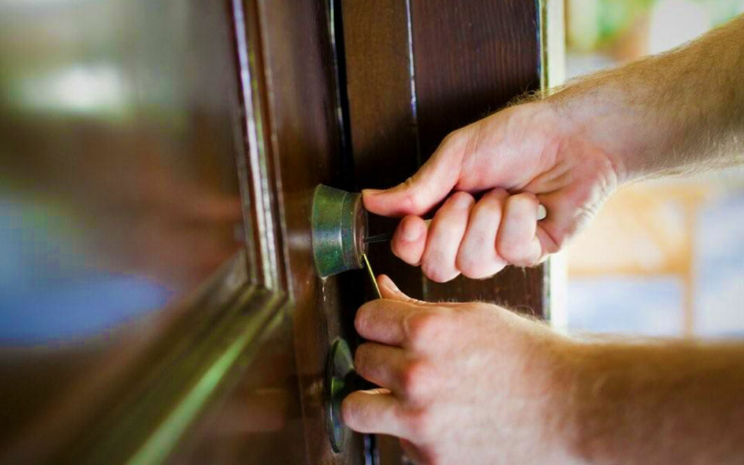 Steps-to-Take-When-You-Are-Locked-out-of-Your-House-Pros-On-Call-Lock-Services