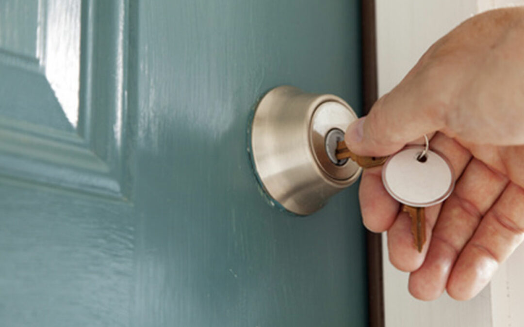 Single-Is-Your-Home-Secure--Tips-to-Secure-Your-Home-Pros-On-Call-Lock-Services